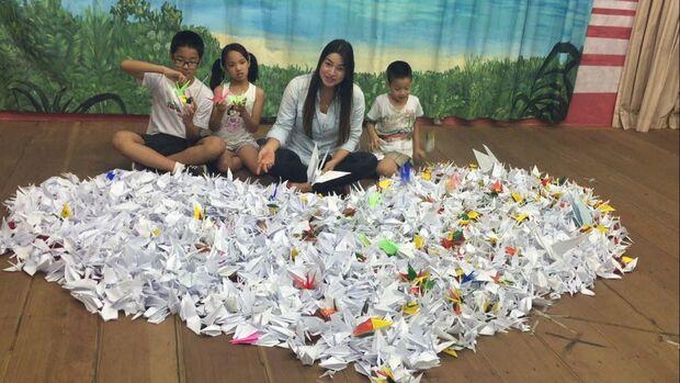Ação entrega tsuru para Ministro da Saúde e inicia encontro com crianças em hospitais de MS