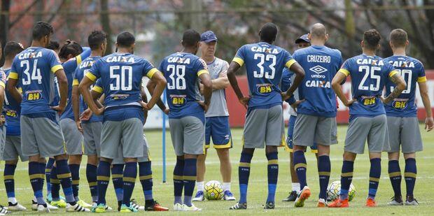 Cruzeiro recebe a Ponte Preta no Mineirão pressionado por vitória