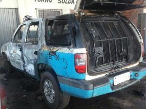 Incêndio destrói viatura da Polícia Militar em oficina mecânica