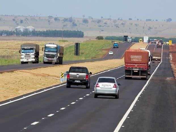 Feriadão prolongado deve levar 290 mil veículos para a BR-163