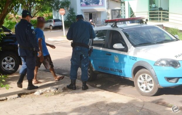 Adolescente é contratado para trabalhar e furta R$ 900 de empresário em Coxim
