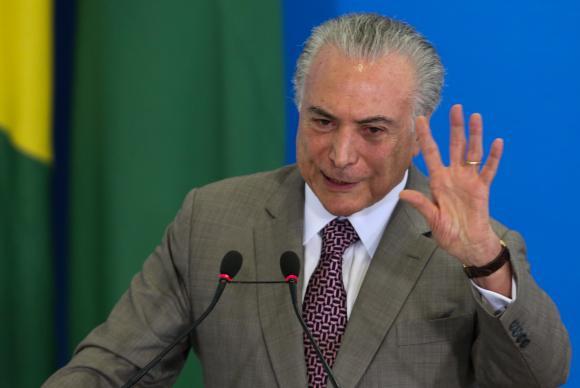 Planalto faz balanço de seis meses de governo Temer