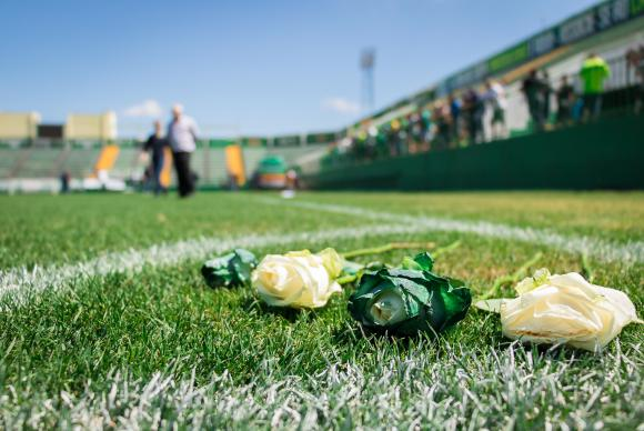 Velório coletivo de vítimas do acidente aéreo será na Arena Condá, em Chapecó