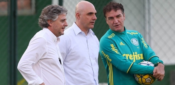 Palmeiras já trabalha elenco de 2017, mas usa discrição por foco do título