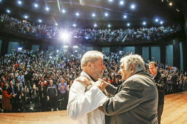 Mujica e Lula participam de ato em São Paulo neste domingo