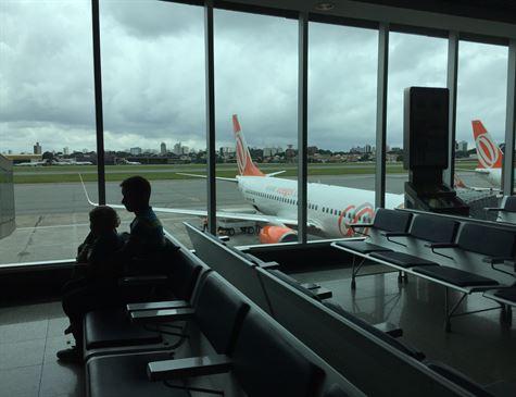 Procura por transporte aéreo mantém queda em setembro