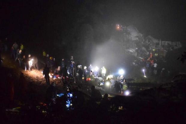 Veja lista de passageiros do avião da Chapecoense que se acidentou
