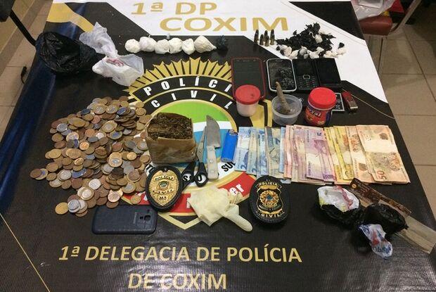 Polícia Civil prende jovem, fecha boca de fumo e apreende drogas e munições