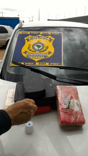 Jovem de 22 anos é flagrado com 60 quilos de cocaína na BR-158