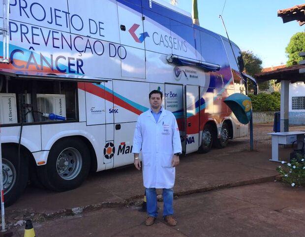 Médico oncologista é homenageado por trabalho em Maracaju