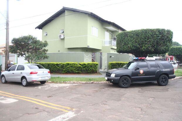Operação Caduceu: Policiais do Gaeco cumprem mandados em escritório no Carandá Bosque