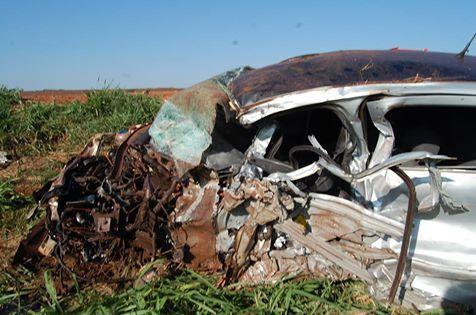 Homem morre após colisão entre carro de passeio e ônibus turístico na MS-162
