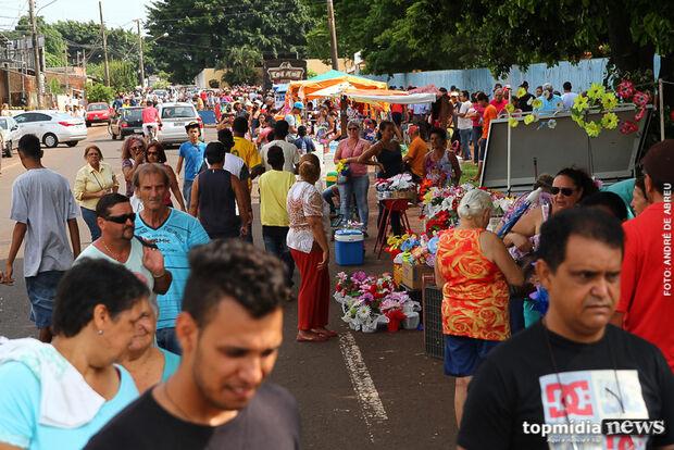 'Saudades e boas lembranças' marcam Dia de Finados em Campo Grande
