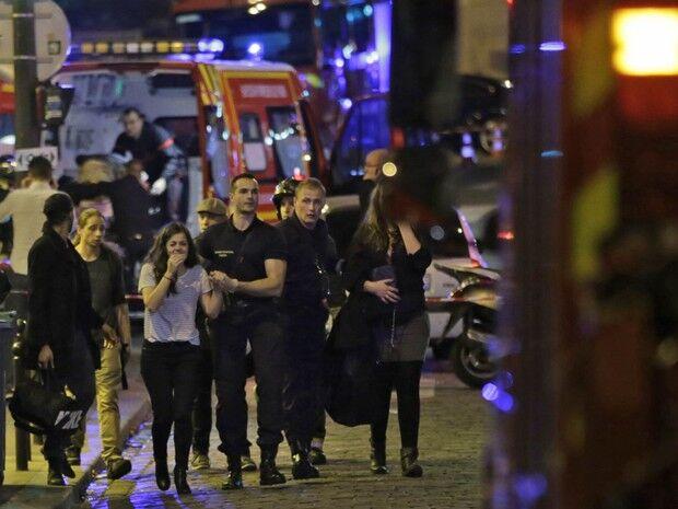 Alvo de ataques em Paris em 2015, casa de shows Bataclan será reaberta hoje