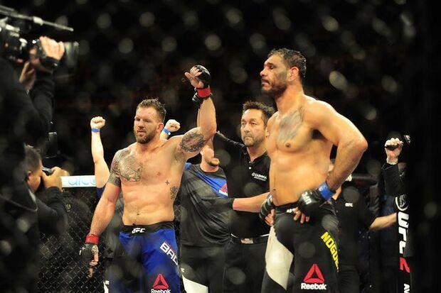 Ryan Bader anula Minotouro, frustra brasileiros e vence no UFC São Paulo