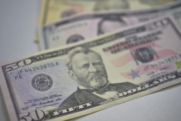Com repatriação, entrada de dólares no país supera saída em US$ 8,7 bi