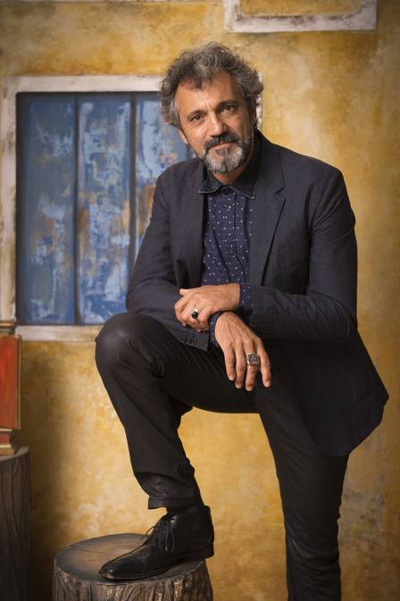 Domingos Montagner é eleito melhor ator no Prêmio Extra de TV