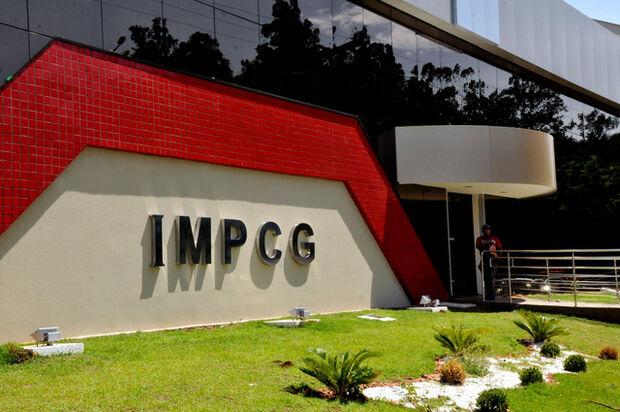 Médicos alegam calote do IMPCG e cancelam consultas de pacientes na Capital