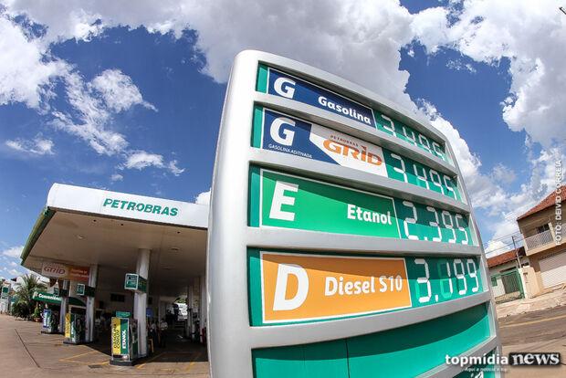 Petrobras reduz preço da gasolina, mas postos mantêm valor em Campo Grande