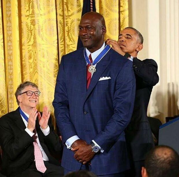 Jordan recebe homenagem na Casa Branca, e Obama faz piada com filme