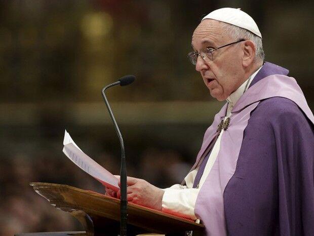 Papa celebra missa de finados em cemitério de Roma