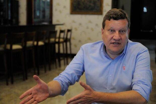 Cancelamento de voo fretado tira prefeito de Chapecó de acidente na Colômbia