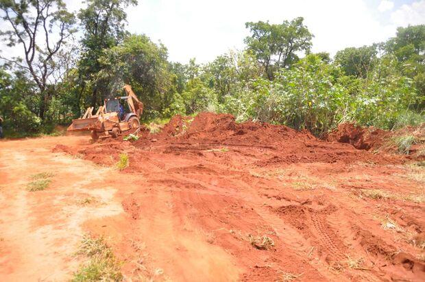 Oito pessoas são presas e polícia faz escavações à procura de corpos no Chácara dos Poderes