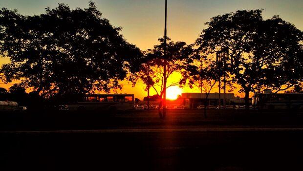 Com manhã fria, previsão será de sol durante todo o dia na Capital