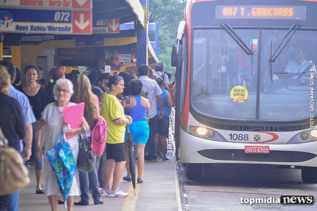 Bernal volta atrás e não garante congelamento da tarifa do transporte público