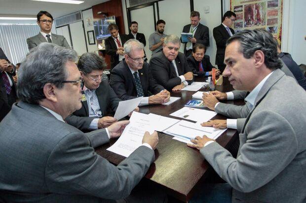 Bancada federal firma 'pacto por Campo Grande' com Marquinhos Trad