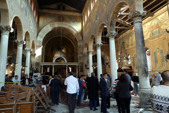 Atentado contra catedral cristã mata ao menos 25 fiéis no Cairo