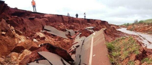 Com asfalto esfarelando, Governo decide cobrar empresas da Lama Asfáltica na Justiça