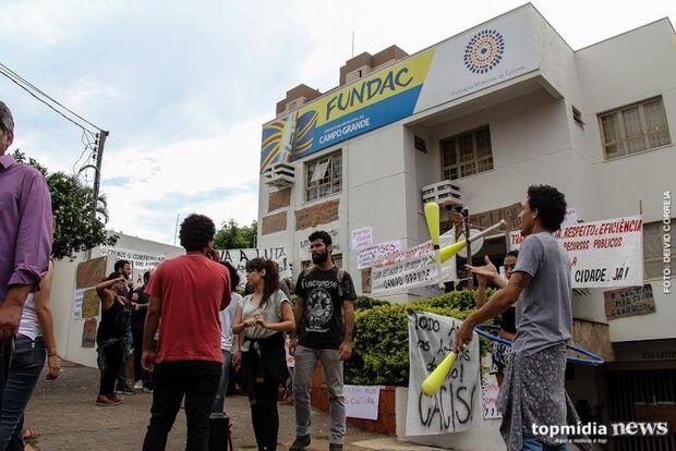 Fórum de Cultura realiza manifestação na prefeitura nesta terça-feira
