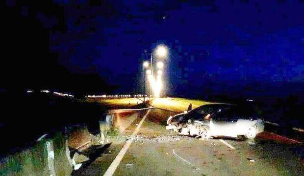 Motorista bate em mureta e derruba poste de iluminação na MS-156