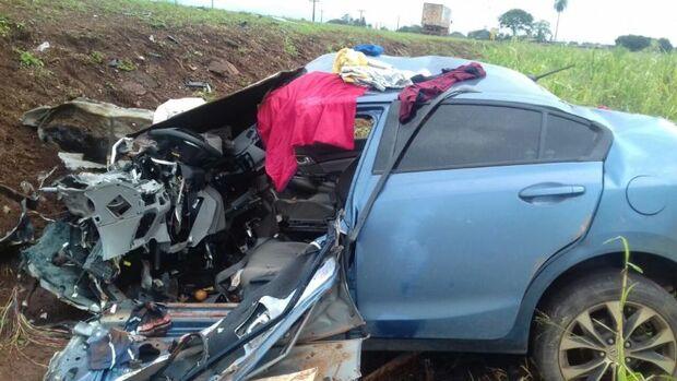 Uma pessoa morre após acidente entre carro e caminhão na BR-163 em Rio Brilhante