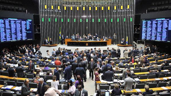 Sem acordo, Câmara não vota projeto de renegociação da dívida dos estados