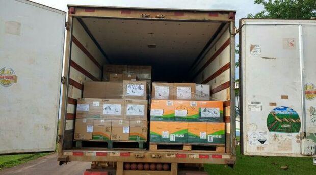 Polícia autua empresa paranaense em R$ 135 mil e apreende caminhão com 12,3 toneladas agrotóxicos