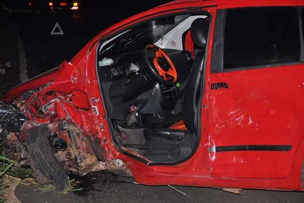 Passageiros de veículo saem ilesos após sofrerem grave acidente em Cassilândia