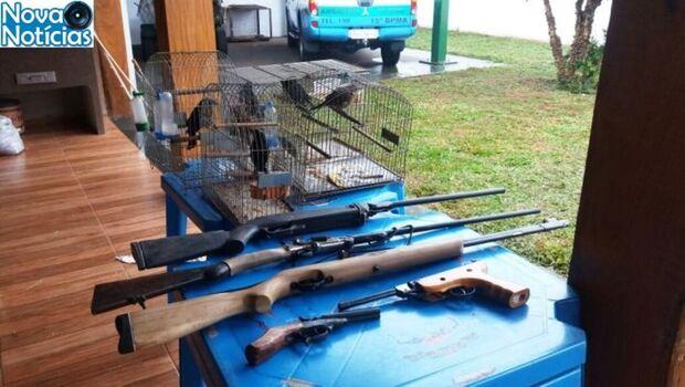 PMA apreende pássaros e armas em residência