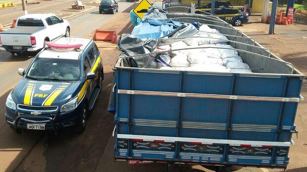 PRF apreende 2,6 toneladas de agrotóxico contrabandeado na BR-163