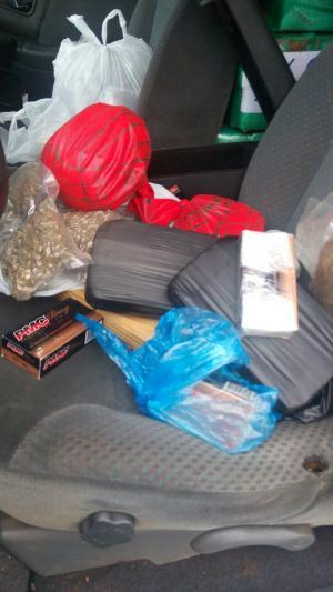 Suspeito abandona carro com 1,4 tonelada de drogas e munições de pistola na MS-164