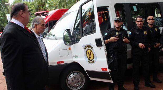 Agepen recebe viatura para operações táticas em presídios