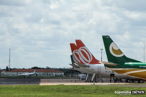 Aeroporto opera com oito voos nesta segunda-feira