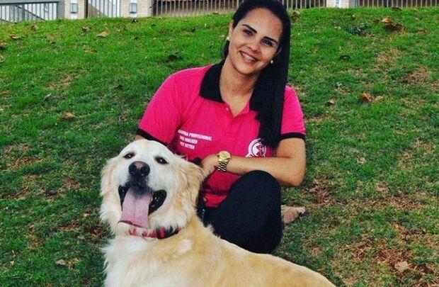 Profissão 'petsitter': o dono viaja e os animais são cuidados dentro da própria casa