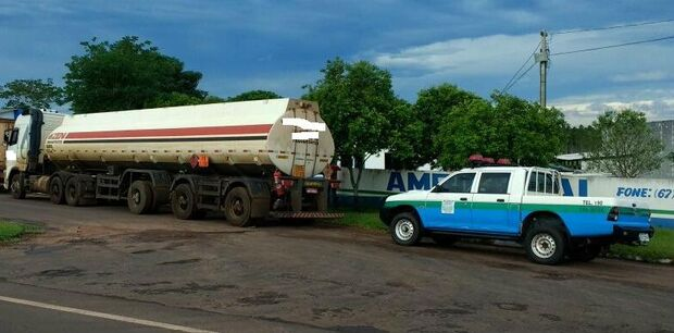 Carreta com 42 mil litros de etanol ilegal é apreendida e empresa autuada em R$ 21 mil