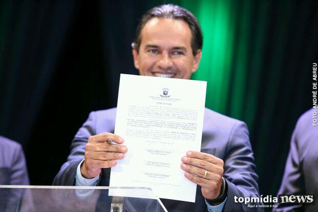 Marquinhos Trad, secretários e 29 vereadores tomam posse em solenidade na Capital