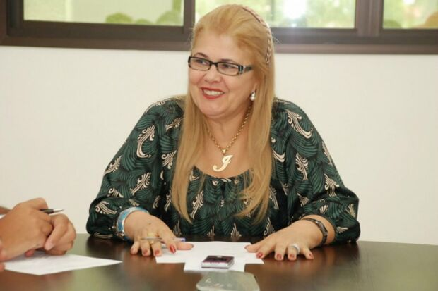 Prefeita de Fátima do Sul é investigada por direcionar contratos para empresas de buffet