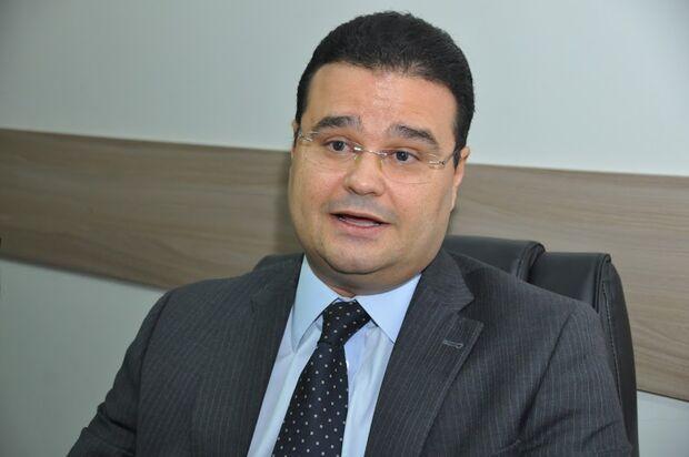 Em discurso de apoio a caminhoneiros, parlamentar diz que paralisação serve de alerta para Governo