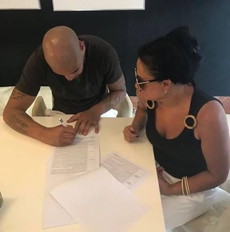 Vida de Adriano imperador será contada em dois filmes; contrato foi assinado no Rio