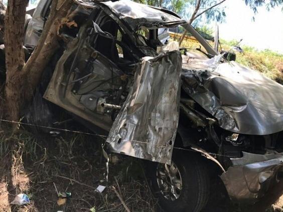 Colisão entre caminhonete e viatura do Exército deixa quatro feridos